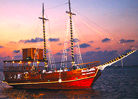 Cozumel Pirate Dinner Cruise | This Excursion in Cozumel takes you on a Real Pirate Ship for a Lobster Dinner Cruise in Cozumel Mexico